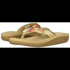 VOLATILE CATANO  SANDAL NATURAL COLOR SIZE 10 NWT